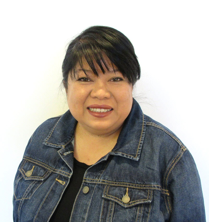 EVELYN ZAMORA | Receptionist/Customer Service Assistant